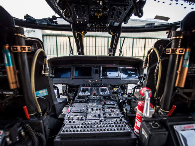 BlackHawk Cockpit kl